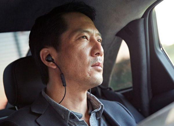QuietControl™ 30無線耳塞式耳機, 通話時,雙方能清楚聽到對方的一字一句,語音清晰、自然。