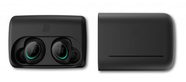bragi_dash_black_charger_01 (2)