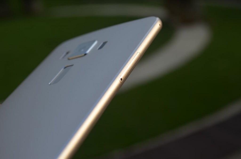 sus ZenFone 3 Deluex_02
